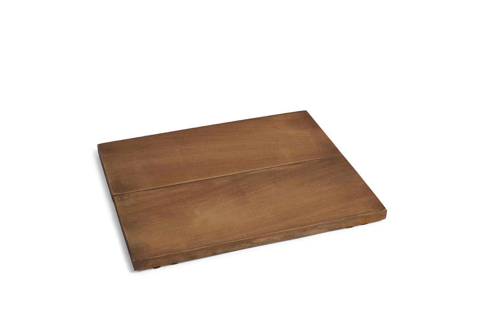 Iroko ist ein Hartholzsitz, welcher mit dem Holzlager BloX oder BloXX eine Bank bildet, auf der Sie die Flammen und die Wärme des Kamins genießen können.  Als Zubehör für die BloX…