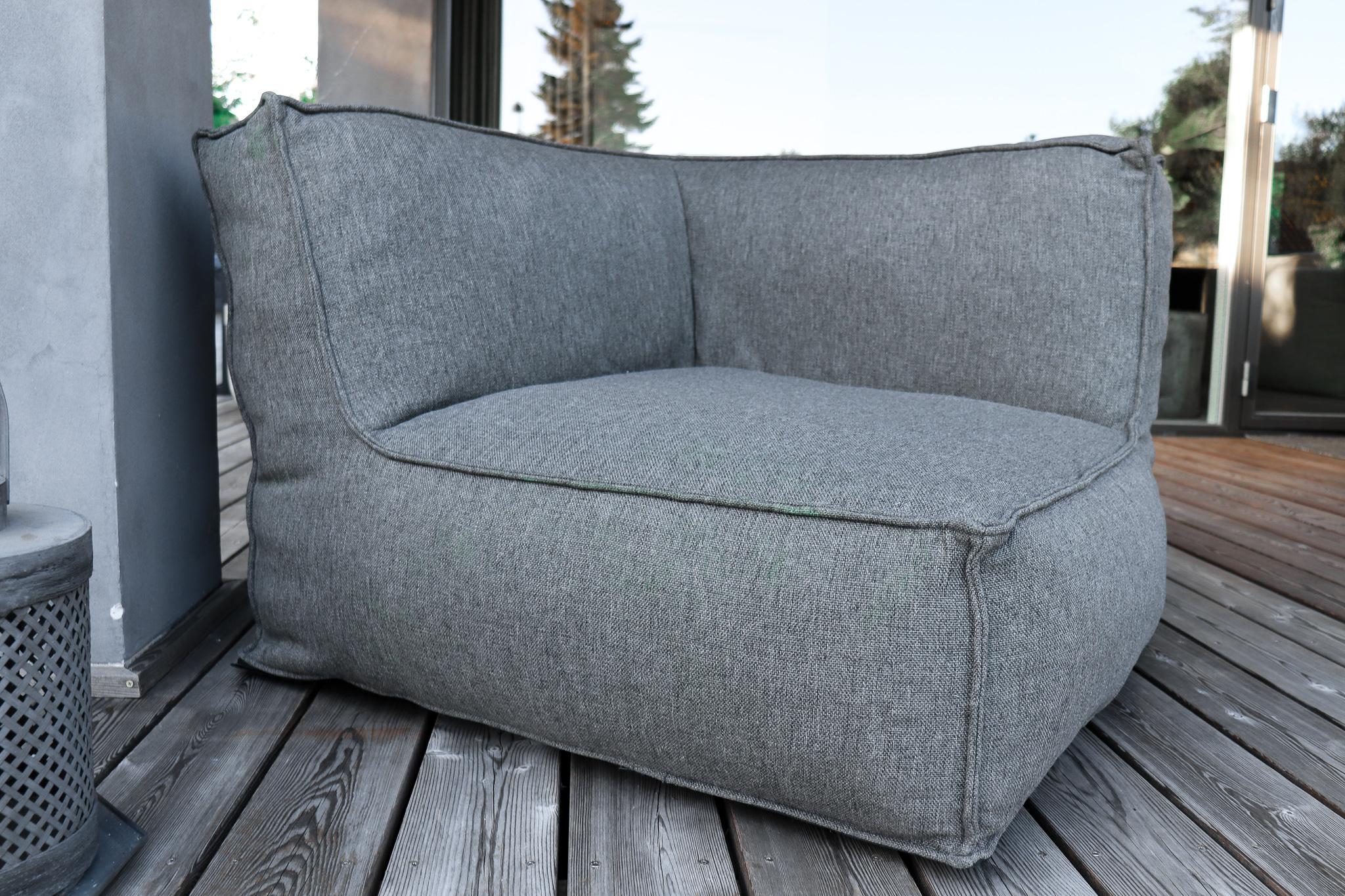 """Die Lifestyle-Outdoor- und Loungemöbel """"Hygge"""" bieten idealen Sitz-Komfort für Terrasse und Wohnzimmer. Die extrem pflegeleichten, UV-beständigen und wasserfesten Sessel sind atmungsaktiv, antibakteriell, nachhaltig hergestellt und zertifiziert schadstofffrei.  Aufgrund der…"""